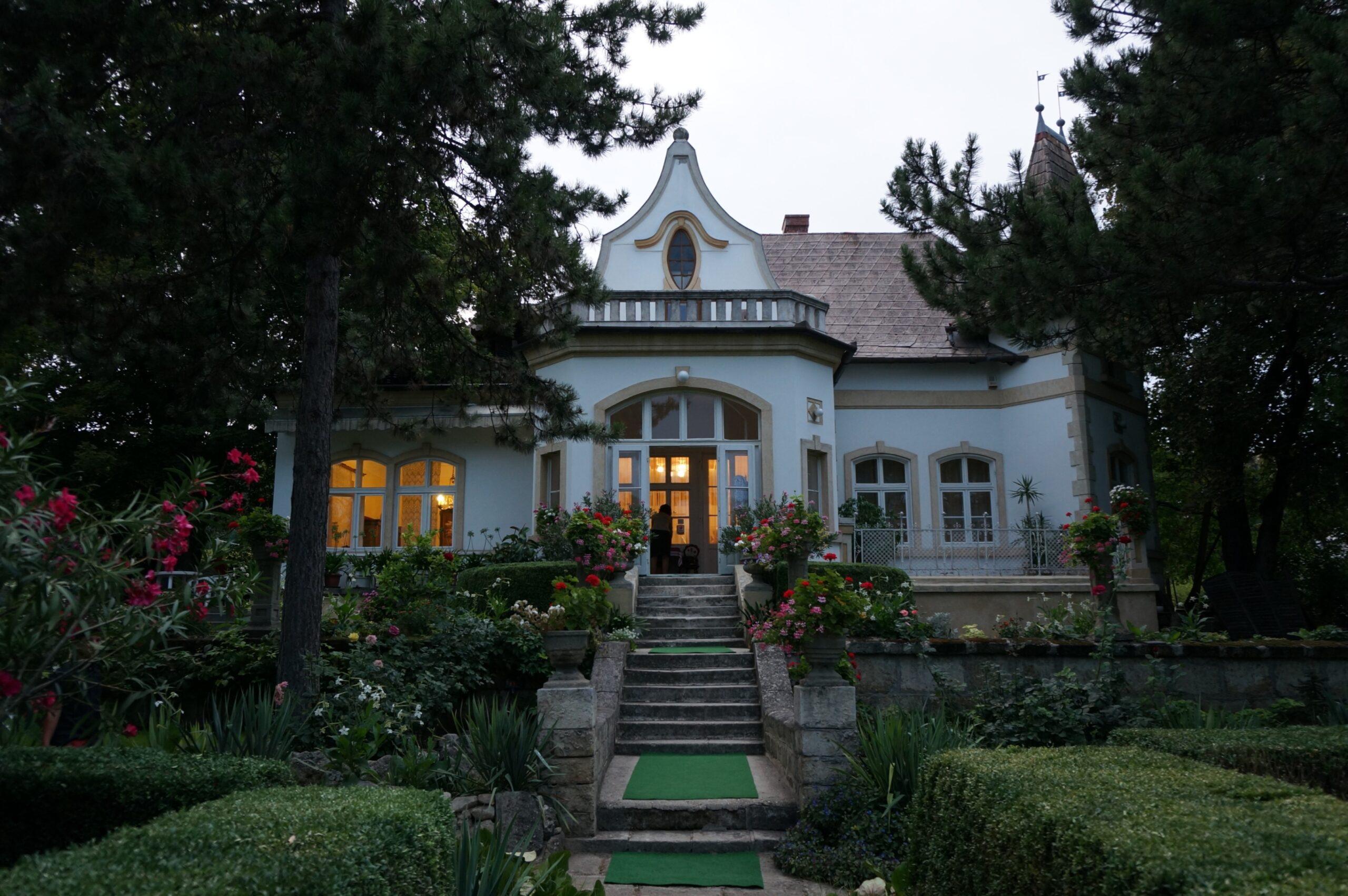Vojnovich-Huszár Villa